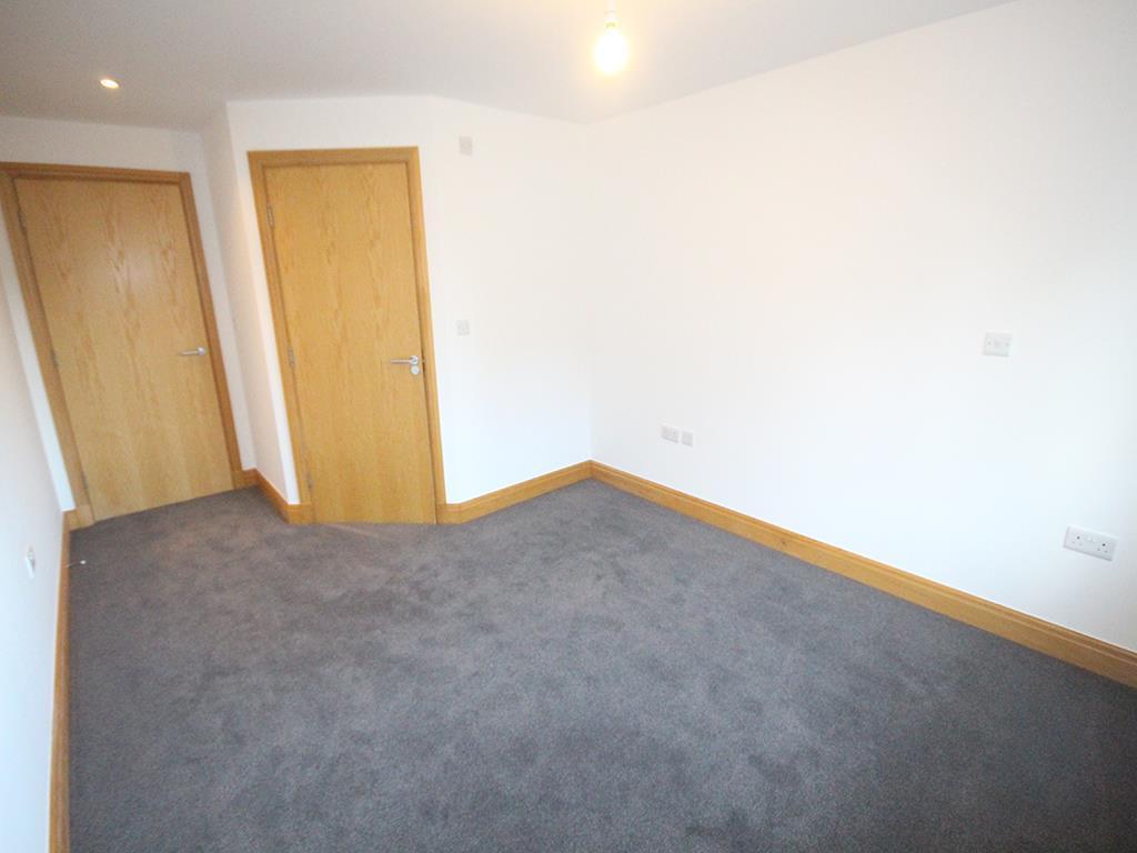 2 bedroom flat For Sale in Foulridge, Colne - IMG_0920.jpg
